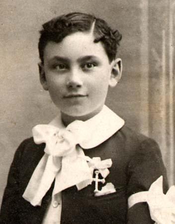 Portrait 1e communion - 1913