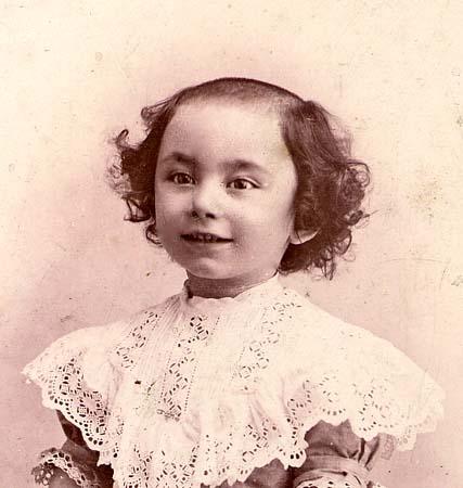 H. Tomasi Portrait au cerceau - 1905
