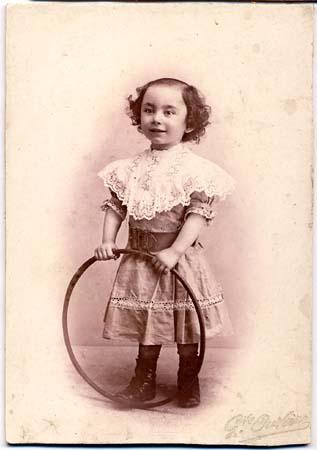H. Tomasi au cerceau - 1905