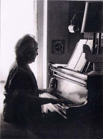 H. Tomasi au piano - Paris 1965