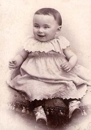 H. Tomasi bébé